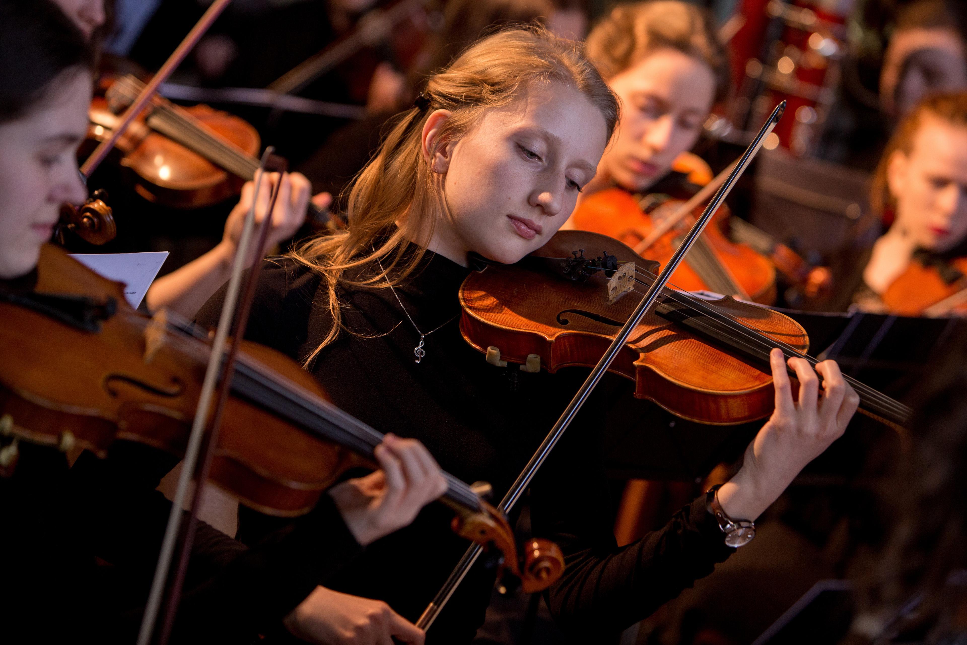 Violinistinnen der Jungen Philharmonie