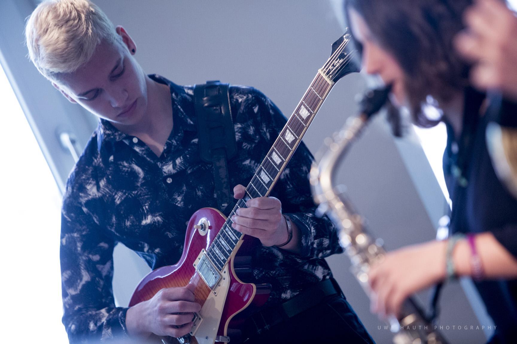 Junger Gitarrist der Musikschule Potsdam