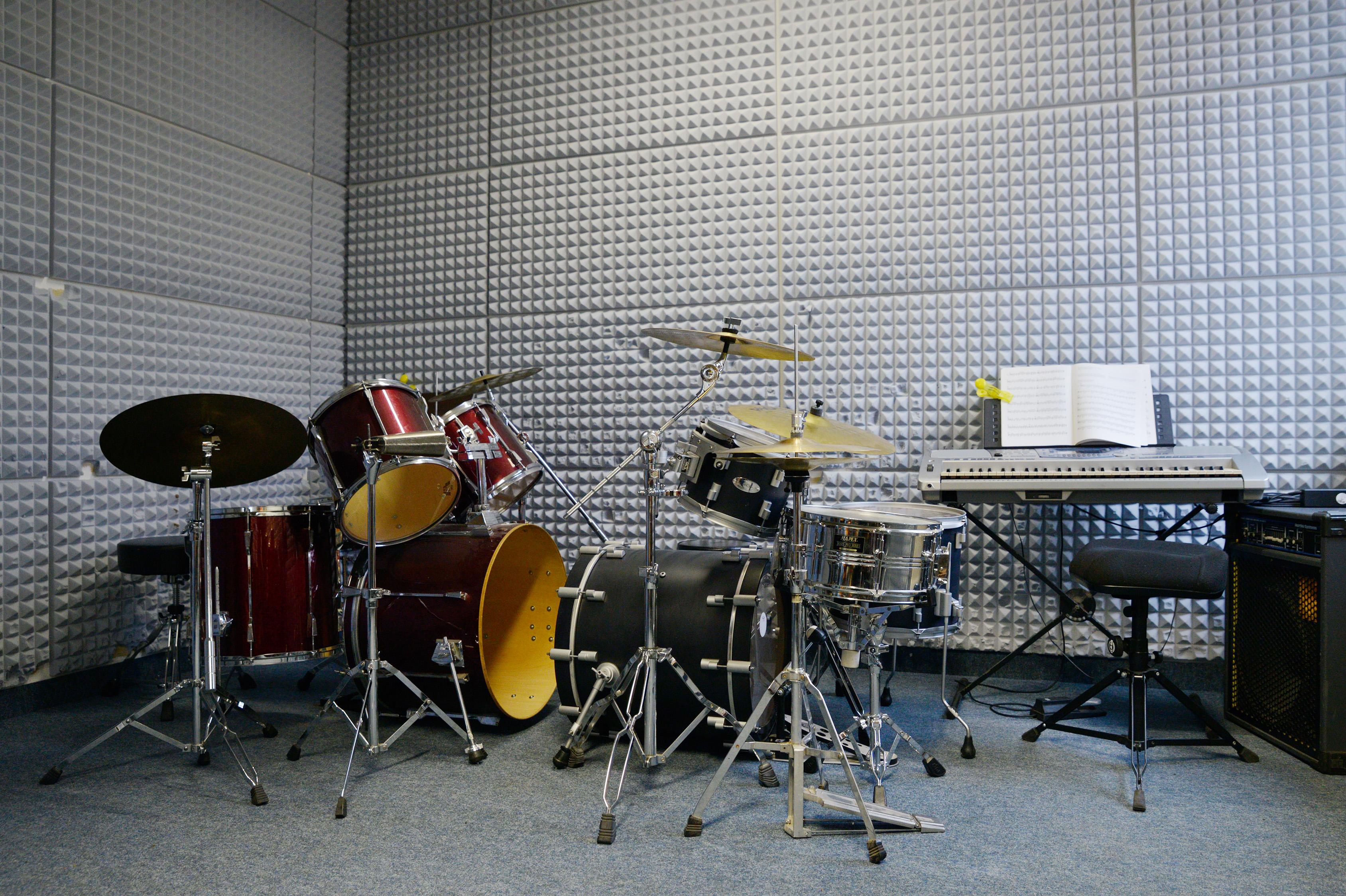 Raum voller Instrumente